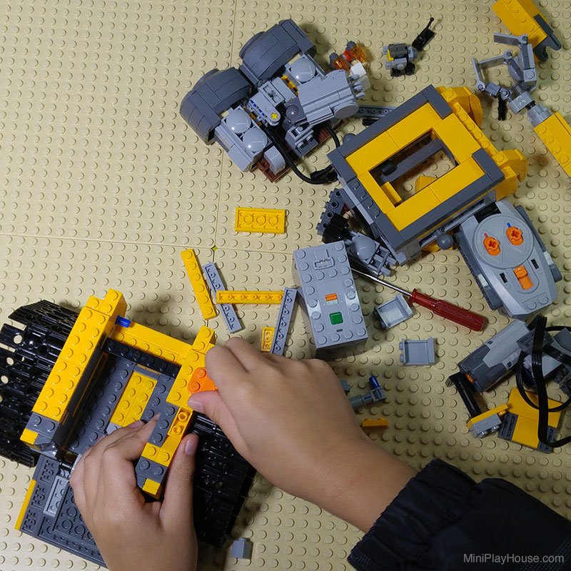 how to make a mini lego wall e