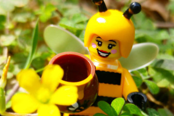 Bumblebee Girl – LEGO Minifigures