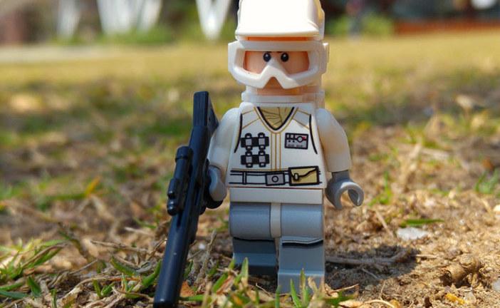 Hoth Rebel Trooper – LEGO Minifigures