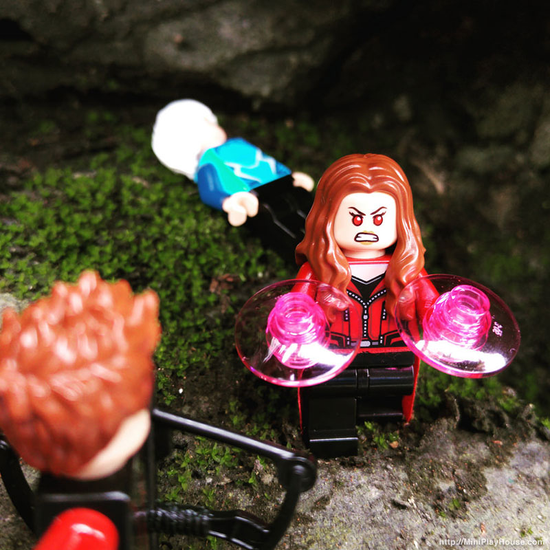 scarlet_witch_minifigures_20160406