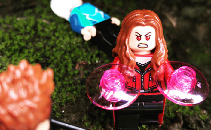 Scarlet Witch – LEGO Minifigures