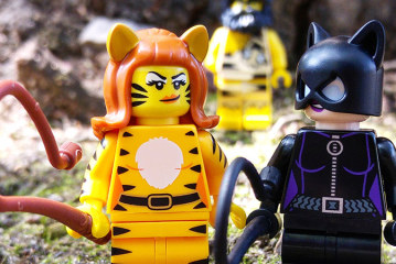 Tiger Woman – LEGO Minifigures