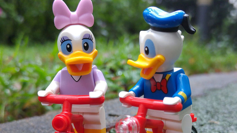 Donald Duck | LEGO Minifigures