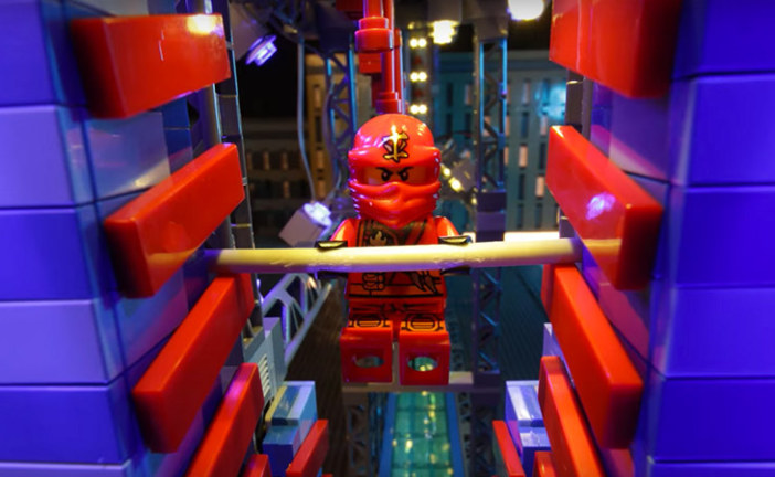 LEGO® NINJAGO – Ninjas take on the American Ninja Warrior Obstacle Course!